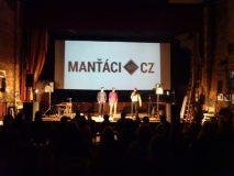 Manťáci ovládli kino Varšava